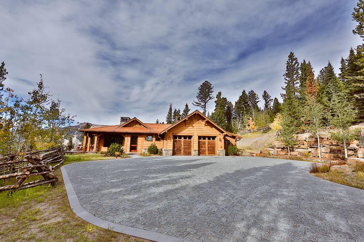 Snow Residence